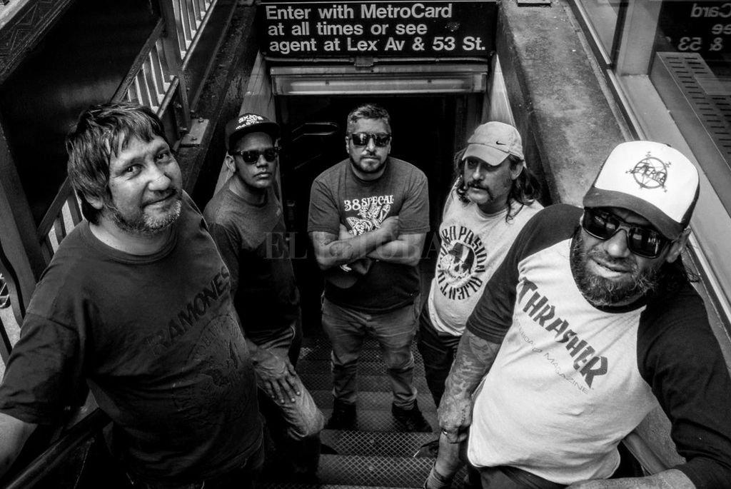 Mosca, Pedro, Monti, Papa y Blinsky en Nueva York, donde la formación original llegó a tocar en el mítico y extinto CBGB. <strong>Foto:</strong> Gentileza Matías Cugat