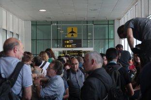 Manifestantes independentistas bloquearon parcialmente el aeropuerto internacional de Barcelona