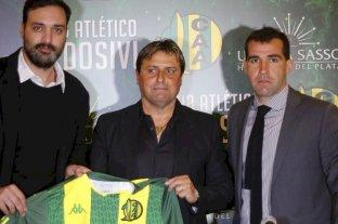 Guillermo Hoyos fue presentado como DT de Aldosivi