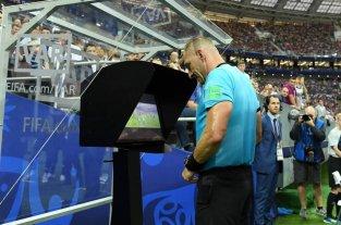 Polémica por dos empresas que se presentaron a la licitación del VAR en el fútbol argentino -  -