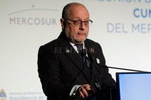 El ministro Faurie expone en la Bolsa de Comercio de Santa Fe