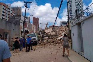 Se derrumbó un edificio de siete pisos en Brasil y buscan sobrevivientes