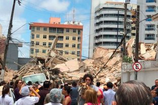 Al menos una persona murió por el derrumbe de un edificio de siete pisos en Brasil