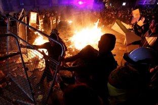 Batalla campal en el centro de Barcelona en nueva protesta por condena a secesionistas