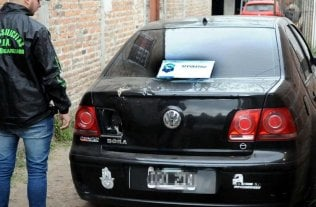 Detuvieron a 37 personas que integraban una banda que robaba autos -  -