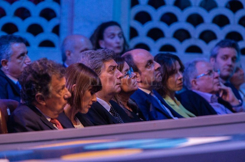 Primera fila, en el debate. <strong>Foto:</strong> Gentileza Municipalidad de Santa Fe