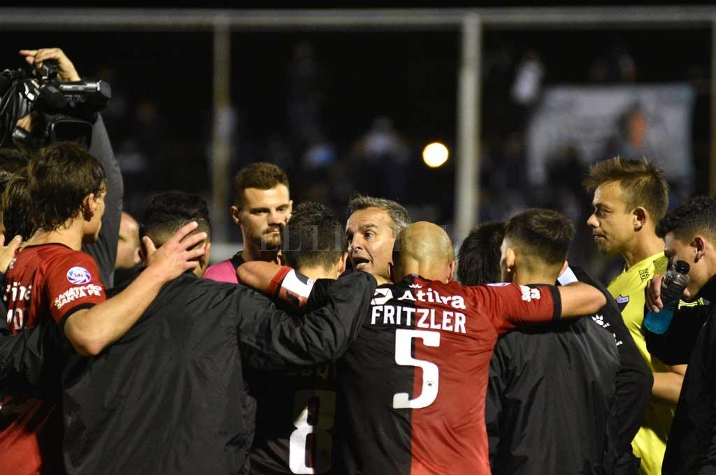 Colón busca la semis de Copa Argentina: se mide con Estudiantes de Caseros -  -