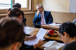 En medio de la campaña, Alberto Fernández tomo examen en la UBA -