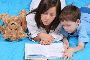 """Hay más madres que cuidan solas a sus hijos y menos familias """"tradicionales"""" -  -"""