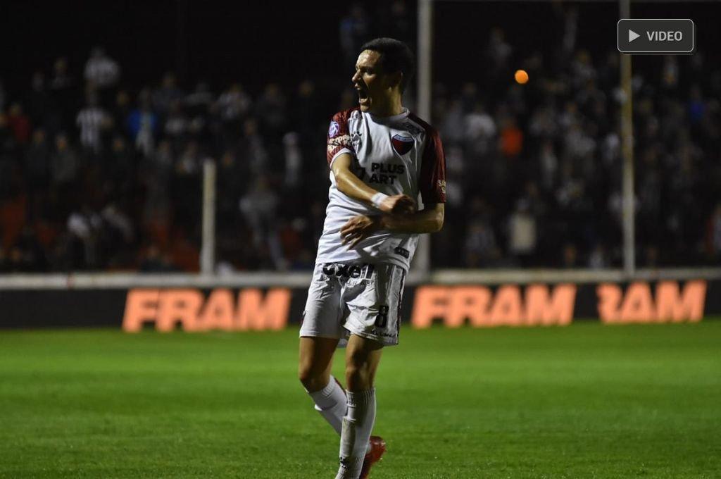 Colón supera a Estudiantes de Buenos Aires -  -