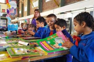 Santo Tomé escribe un nuevo capítulo de su Feria del Libro -  -