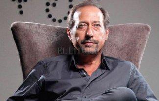 Fenómenos inimaginables - Francella pasó del escenario a la silla de director, mientras calienta motores para volver a interpretar a Pepe Argento.