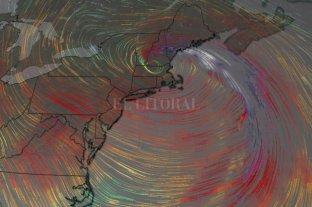 Una bomba ciclónica interrumpe los viajes en el noreste de EE.UU.