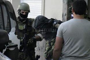 Detienen en Rosario al presunto sicario de la banda narco de Esteban Alvarado -  -