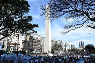 """Comenzó la """"Marcha del Millón"""" en apoyo a Macri en el Obelisco"""