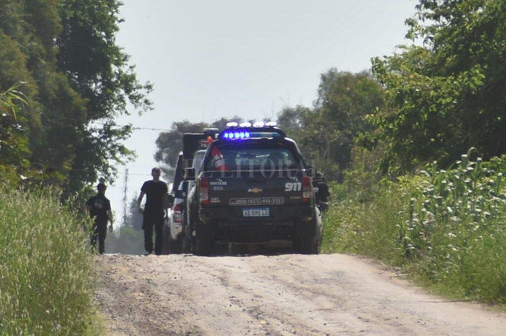 El cuerpo de Ana Alurralde fue hallado al costado de un camino rural, en jurisdicción de Angel Gallardo  Crédito: Luis Cetraro