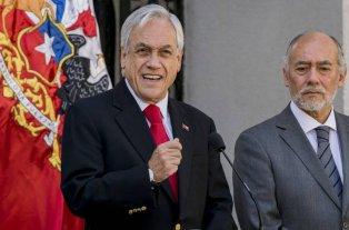 """Piñera: """"Estamos en guerra contra un enemigo poderoso e implacable"""" -  -"""