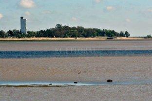 El río Paraná bajó 15 centímetros y medía 1,68 mts en el Puerto de Santa Fe -  -