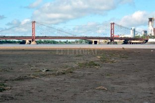 En fotos: la bajante del río Paraná se hace notar en la Laguna Setúbal -  -