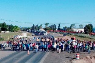 Vecinos autoconvocados cortan la Ruta 34