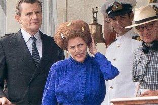 """Las primeras imágenes de Gillian Anderson como Margaret Tatcher en """"The Crown"""""""