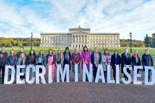 Irlanda del Norte legalizó el aborto y el matrimonio homosexual