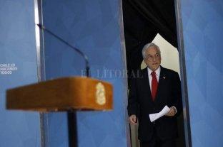 Piñera anunció mejoras sociales, pero por ahora no quitará el estado de sitio -  -