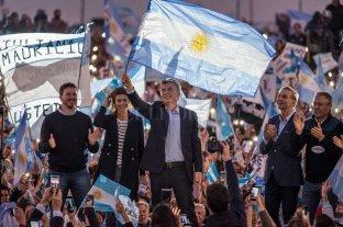 """Macri viaja a Mar del Plata con la marcha del """"Sí, se puede"""" - Macri pasó por su Rosario y continúa la campaña en Mar del Plata -"""