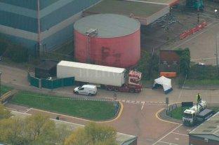 Hallan 39 cadáveres en el contenedor de un camión que llegó de Bulgaria al Reino Unido -  -