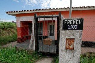 Usurparon una casa y los vecinos de B° Esmeralda Este II están en alerta - Usurpada. La casa ocupada ilegalmente está en la intersección de bulevar French y Las Heras.  -