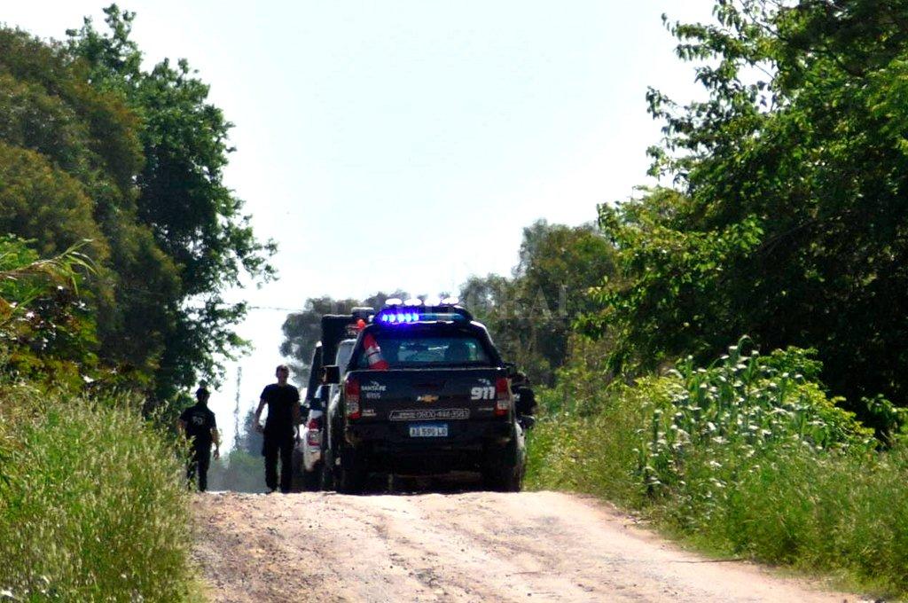 El cuerpo de la mujer fue hallado el sábado después del mediodía en un camino rural en Ángel Gallardo. <strong>Foto:</strong> Luis Cetraro
