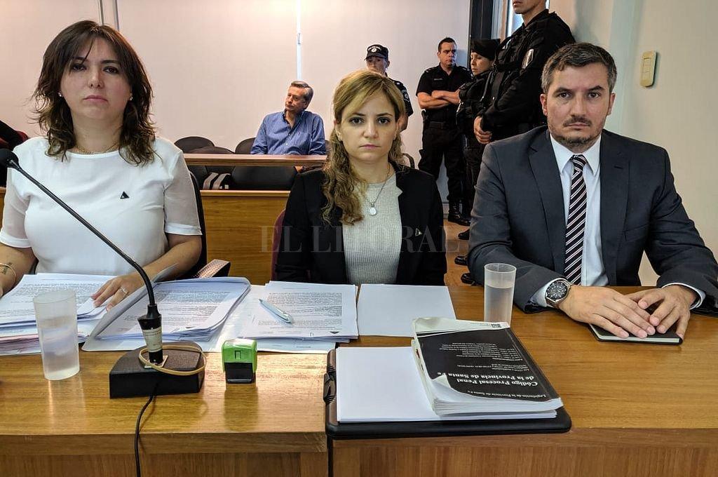 Las fiscales Gabriela Lema y Lorena Korakis, junto al Fiscal Regional de la Quinta Circunscripción Judicial, Diego Vigo. <strong>Foto:</strong> Gentileza