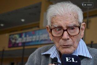 Viejos son los trapos: El santafesino de 96 años que emitió su voto