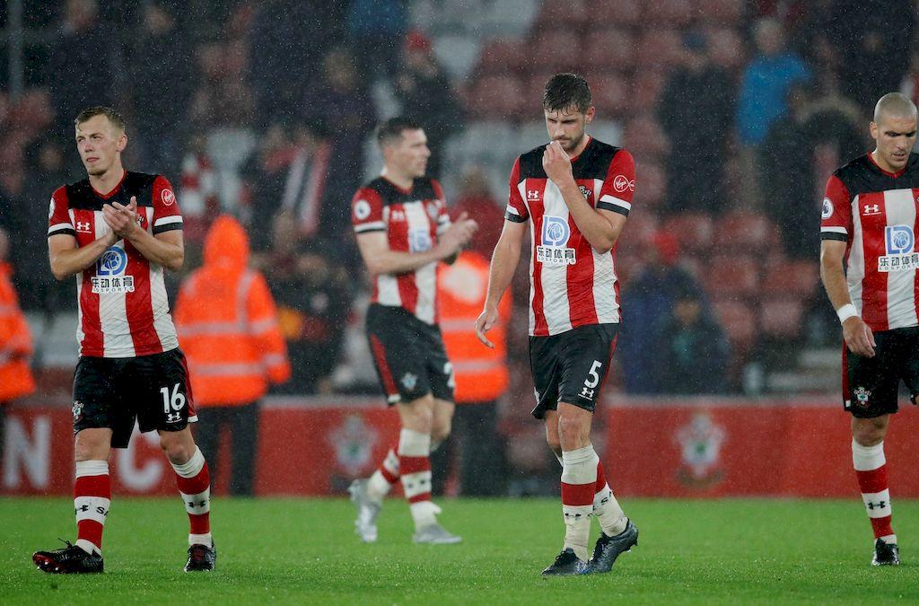 Los jugadores luego de perder ante el Leicester Crédito: Gentileza