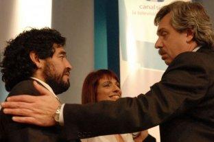 Maradona y otros personajes del deporte felicitaron a Fernández por el triunfo