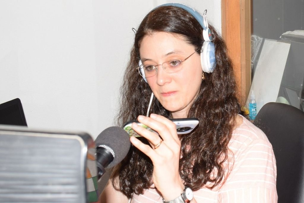 """El programa radial, conducido por Melisa Busaniche, participó del encuentro realizado en Radio Ceibo de San Carlos (Salta). Crédito: Gentileza """"Bella Flor"""""""