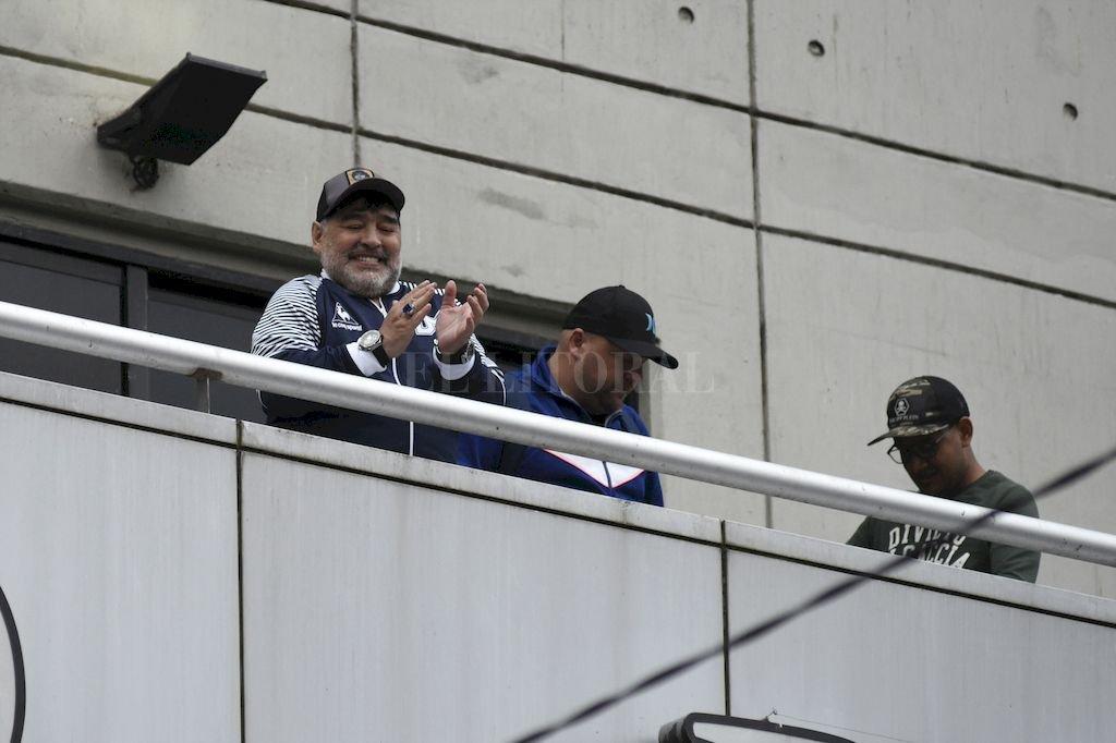Diego fue recibido por los hinchas de Newell´s <strong>Foto:</strong> Marcelo Manera