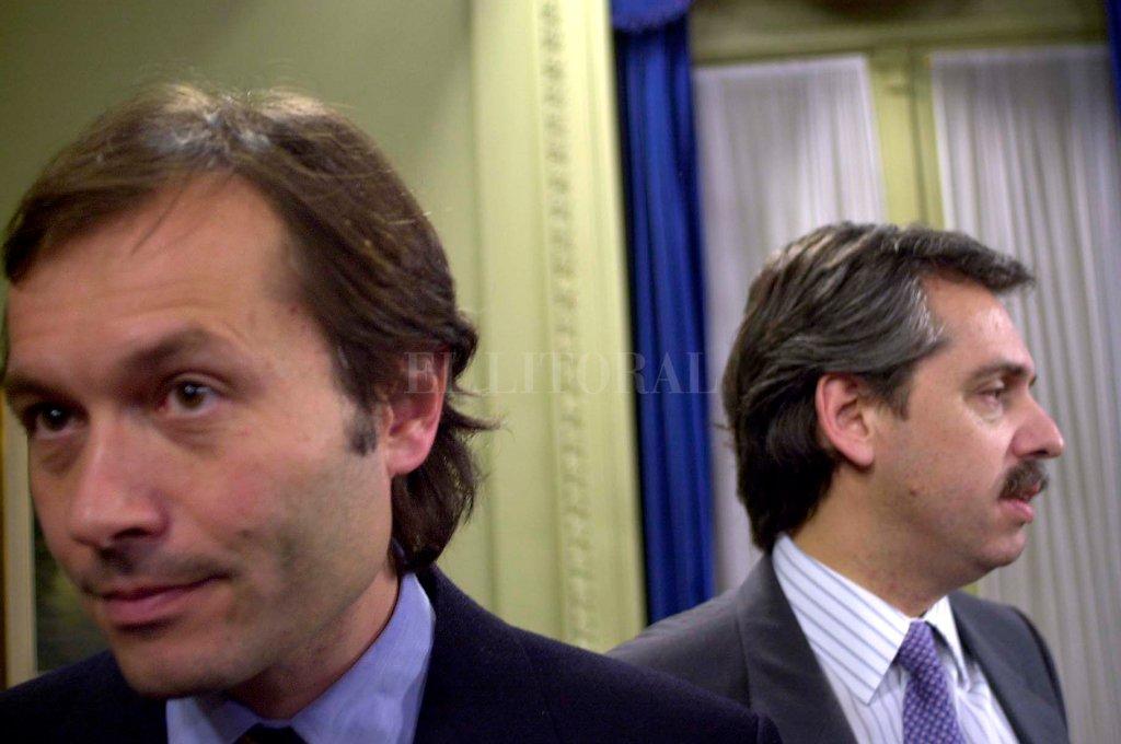 """Béliz y Alberto Fernández en 2003, tras un entredicho entre ambos funcionarios kirchneristas, cuando se discutía sobre """"narcodemocracia"""" durante el menemismo. Crédito: Archivo - El Litoral"""