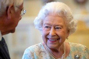 Una foto de la reina Isabel II posando como modelo es furor en la Red