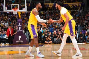 Con un memorable partido de Anthony Davis, Lakers vapuleó a Memphis Grizzlies