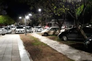 Indignante: por el partido de Unión, estacionan en el flamante cantero de Av. Freyre