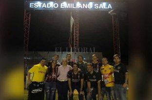 Emotivo homenaje a Emiliano Sala en Progreso
