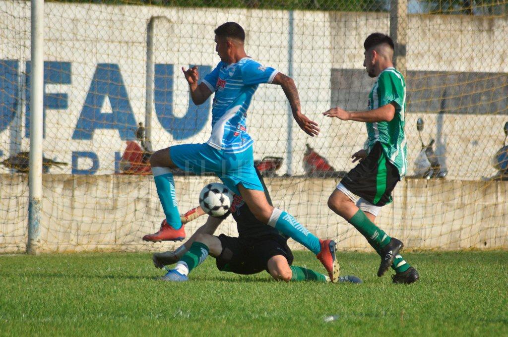 La gran final. Nuevo Horizonte y San Cristóbal definen el primero de los dos ascenso en Liga.  <strong>Foto:</strong> Luis Cetraro