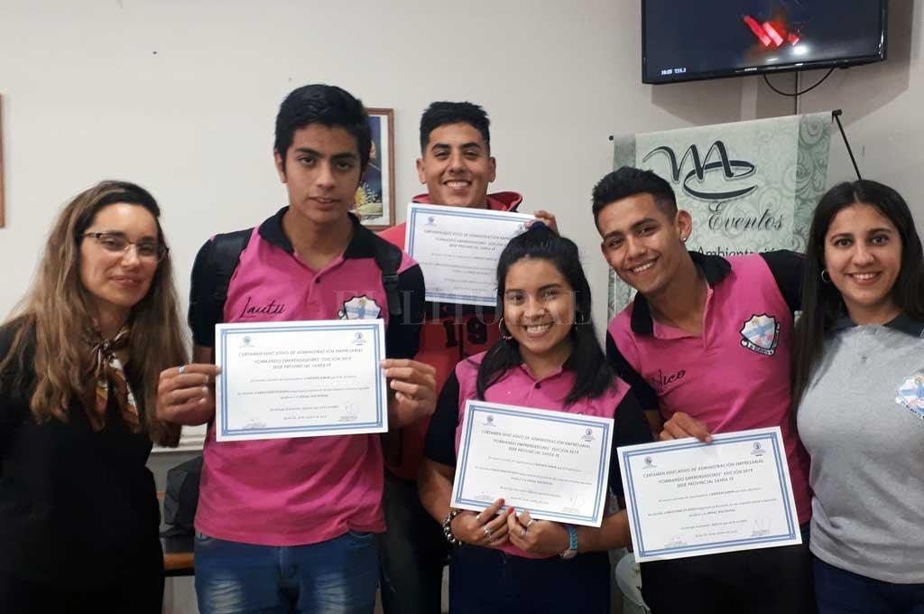 El equipo estudiantil representará a Santa Fe en la fase nacional. Crédito: Gentileza