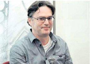 Poesía en la Alianza: el francés Pascal Mora presenta su obra