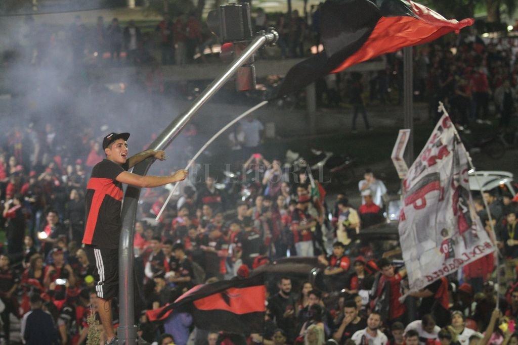Caravana por los 114 años del club <strong>Foto:</strong> Mauricio Garín