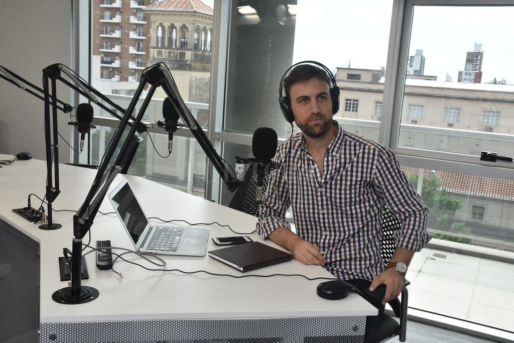 En la radio, su nueva casa. Crédito: Flavio Raina