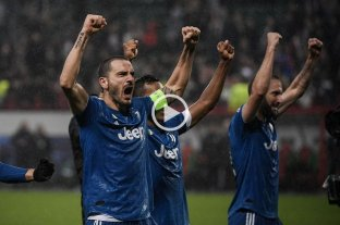 Juventus se clasificó a octavos con el triunfo agónico en Rusia