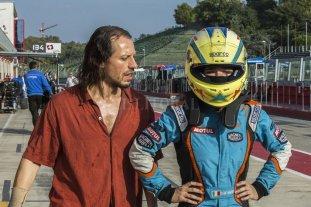 """Carreras por fuera y por dentro  - Una familia dedicada al automovilismo y sus tribulaciones en """"Veloz como el viento"""", film italiano de 2016. -"""