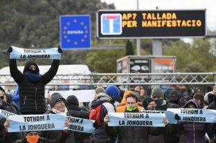 Independentistas catalanes cortan transitado paso fronterizo entre España y Francia